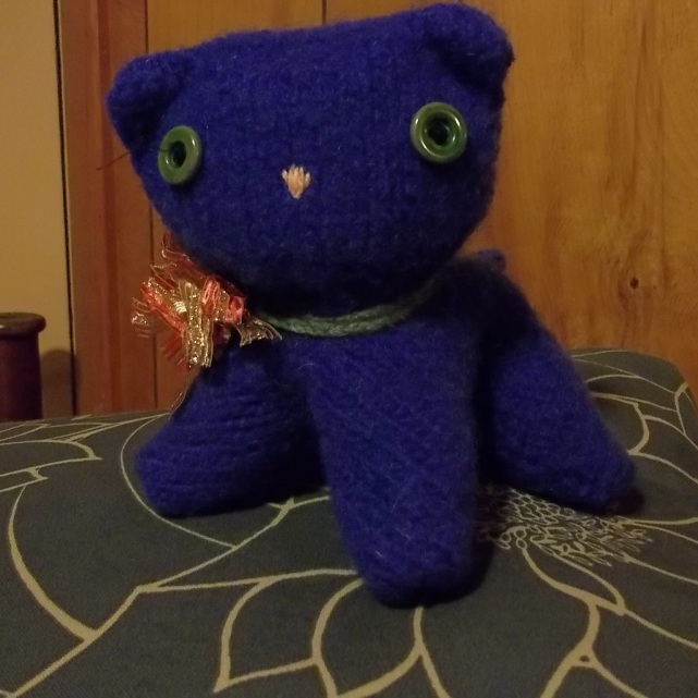 knitted purple kitty